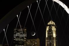 Des Moines  crescent moon