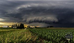 thunderstorm iowa storm chasing